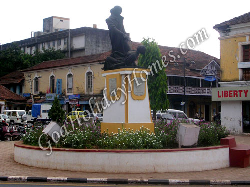 The Statue Of Abbe Faria in Goa