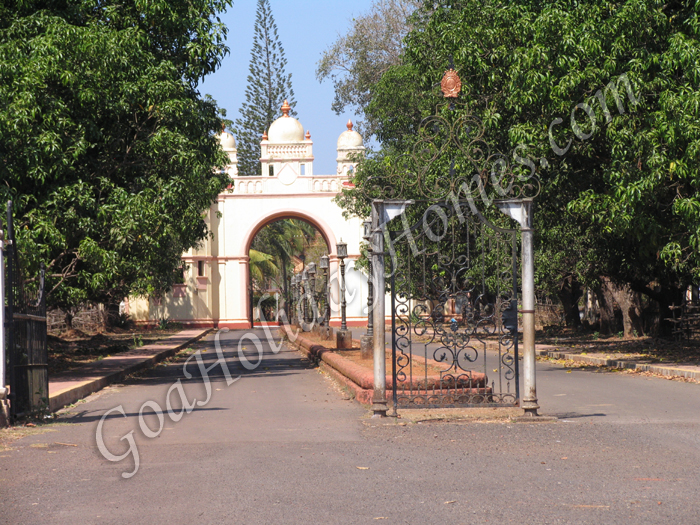 Deshprabhu Mansion Front View