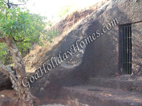 Arvalem Caves in Goa