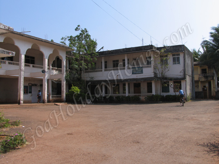 Ramakant Khalap High School