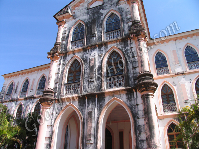 Deshprabhu Mansion Front View
