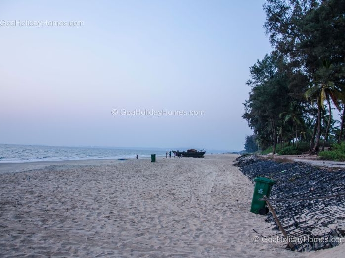 Sernabatim Beach in Goa