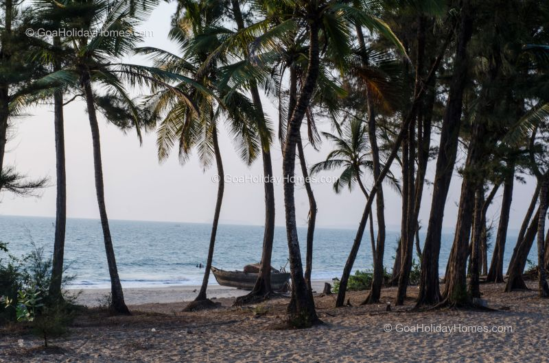 Sernabatim Beach in Goa
