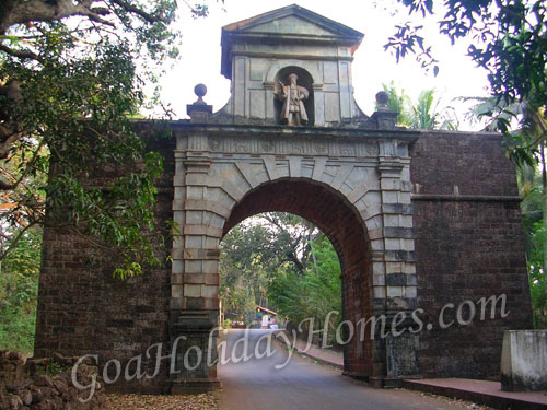 Viceroy\'s Arch in Goa