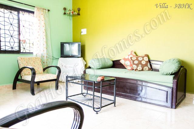 goa beach holidays goa bhk living room   Photos Gallery : Beachside Bungalow for Rent in Anjuna ...