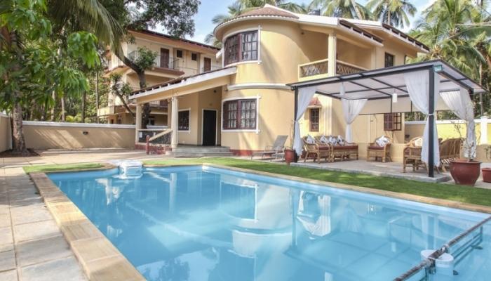 goa beach holidays goa bhk living room   Rent House in Goa, renting a house , House booking ...