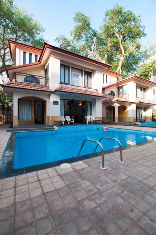 Sns holiday villa in calangute north goa for Resorts in goa with private swimming pool